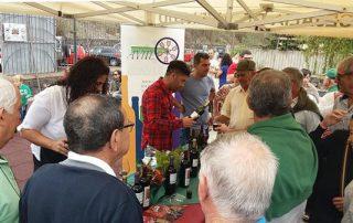 El mundo de la uva y la vid, en el Mercado del Agricultor y el Artesano de Tegueste