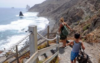 Más de 20 colectivos piden a las administraciones un plan integral para las playas de Anaga