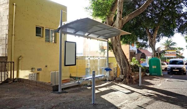 Nueva marquesina en la parada de guaguas de San Andrés