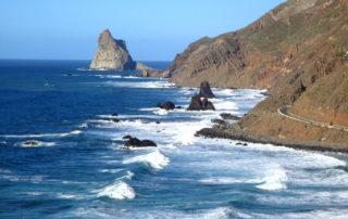 El Ayuntamiento de Santa Cruz y el Cabildo mejorarán los accesos a las playas de Benijo y Almáciga