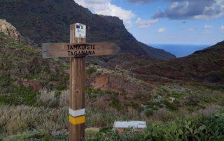 Aviso de obras en el sendero de Tamadite